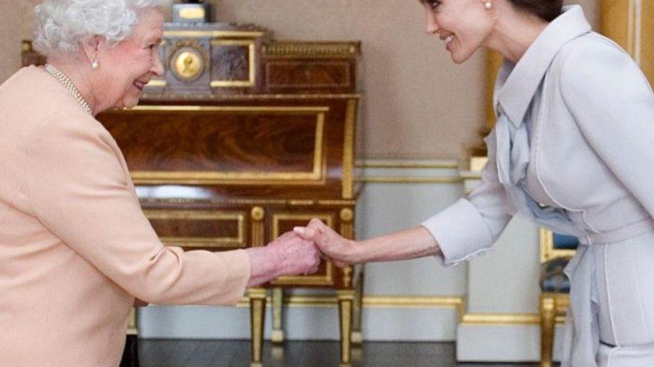 Incontri reali: i look delle star quando hanno incontrato la regina Elisabetta II