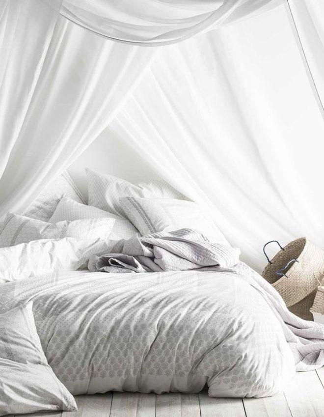 Une chambre blanche cocon