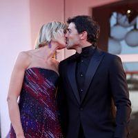 Le coppie vip più innamorate sui red carpet del 2020