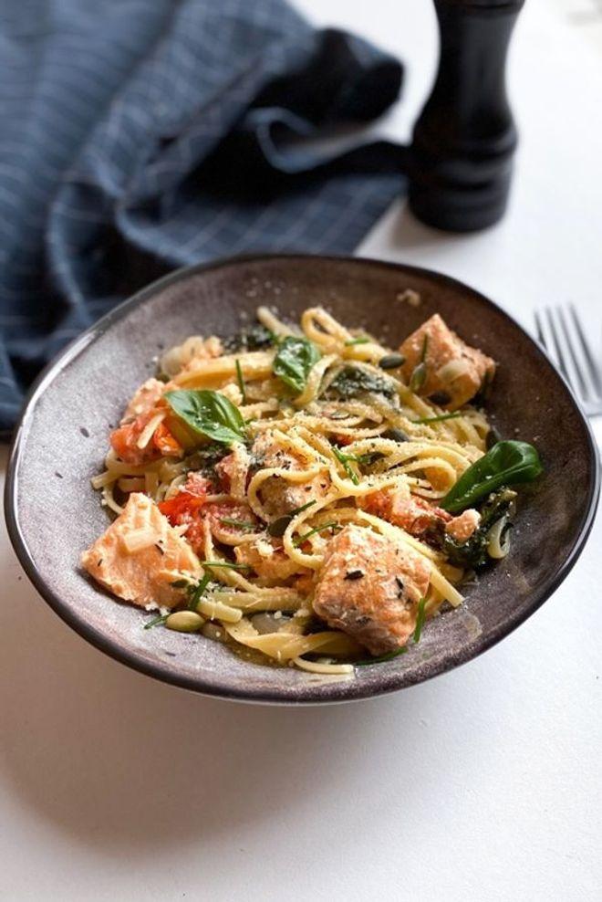 One pot pasta saumon, épinards et tomates cerises