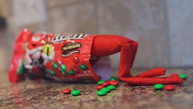 Elf on the shelf : Les meilleurs idées de farces à faire à vos enfants