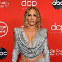American Music Awards 2020: tutti i look delle star