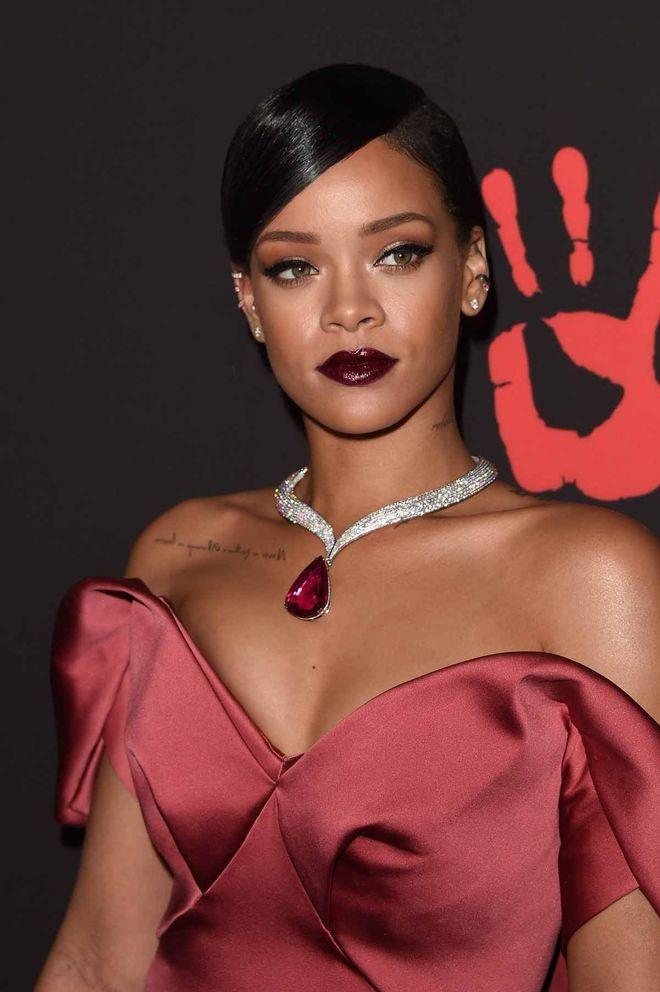 Tatouage clavicule Rihanna