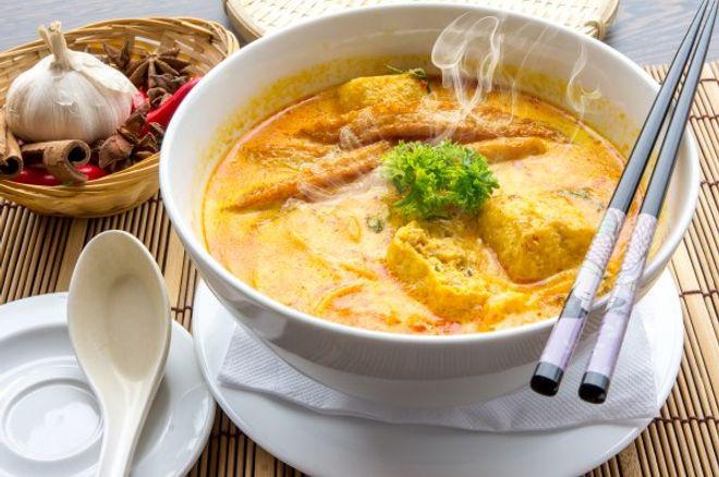 Lundi midi : Poulet curry et oignons facile