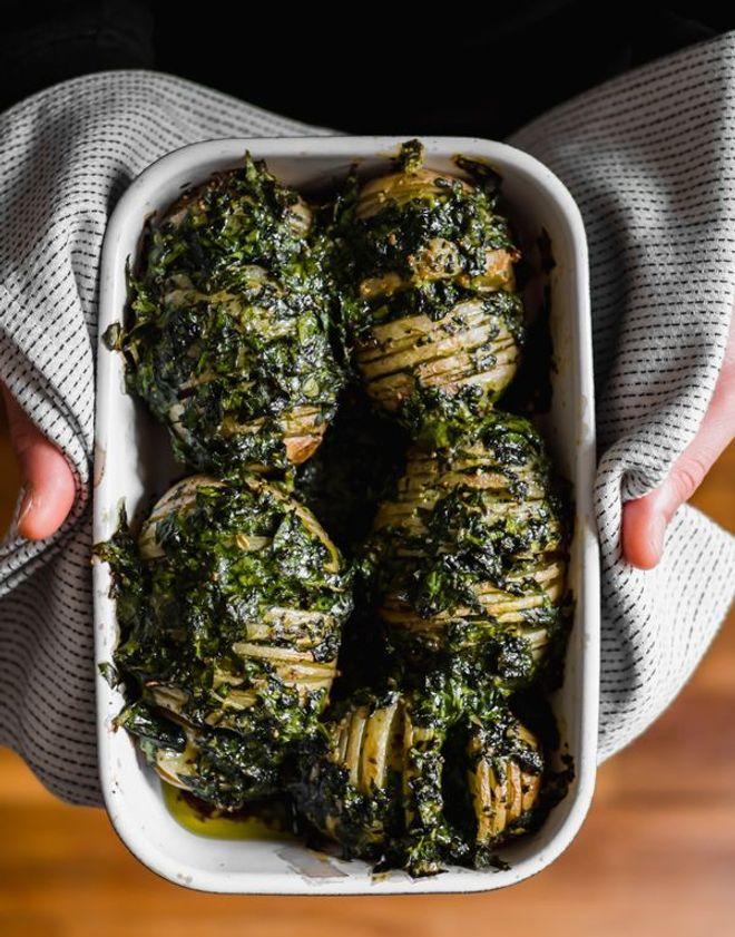 Lundi midi : Hasselback potatoes aux épinards et parmesan