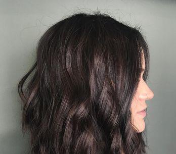 Carré long brune : tout savoir sur cette coiffure stylée et tendance