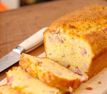 La recette du cake aux lardons en pas-à-pas !