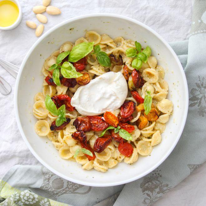 Orecchiette tomates confites, basilic et burrata