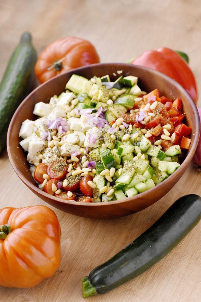Salade grecque façon buddha bowl