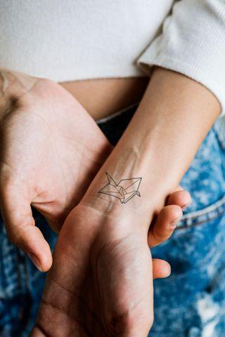 Tattoo unterarm innenseite frau klein