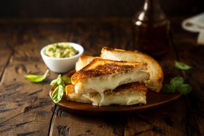 Lundi midi : croque-monsieur à la poêle (grilled cheese sandwich)