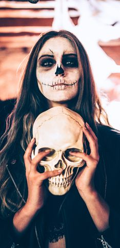 A corto di idee per Halloween? Scopri come travestirti in base al tuo segno zodiacale!