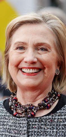 Buon compleanno Hillary Clinton: gli scatti che ripercorrono la vita dell'ex first lady