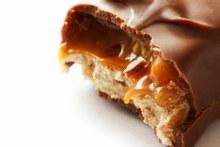 © istock - Véritable tuerie gustative, la recette du Snickers géants