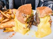 © istock - Si tu aimes les burgers et le fromage, c'est cadeau !