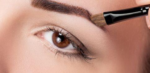 Wow Brows! Augenbrauenpuder richtig auftragen