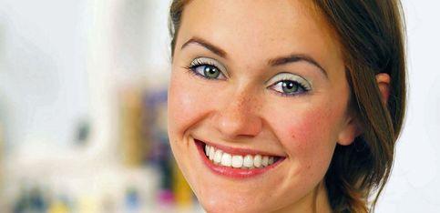 Ruckzuck frisch aussehen: Zartes Augen-Make-up in Pastell