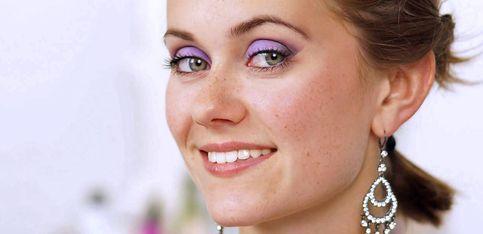 Schön mit Snukieful: Glamour Augen-Make-up in Violett