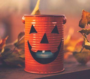 DIY para Halloween: ¡unos portavelas de miedo!