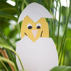 Osterdeko selber basteln: Kinder lieben dieses süße Küken im Ei!