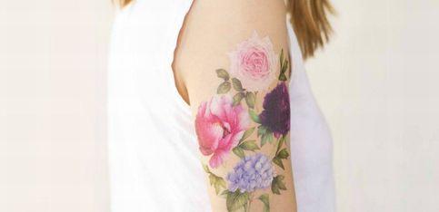 Verliebt in Duft-Tattoos: Wir haben den Tattoo-Trend getestet