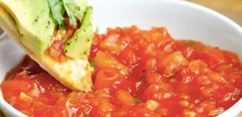Pizza de aguacate: ¡sabor italiano con un toque exótico!