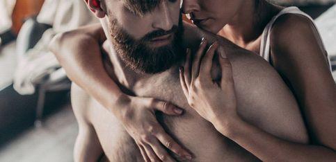 Las mejores posturas sexuales para penes pequeños