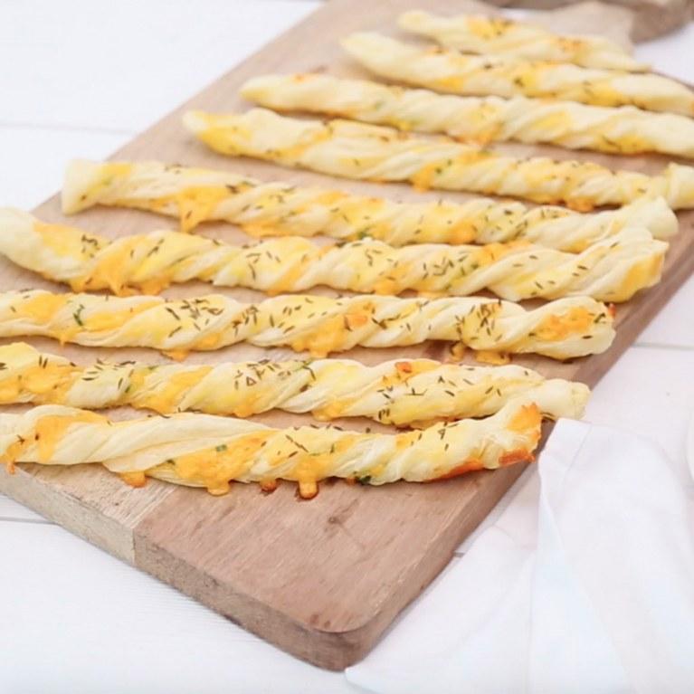 Torta Salata Stella Di Natale.Torta Salata Girasole La Ricetta Con Formaggio E Bresaola