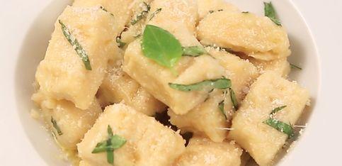 Gnocchi di patate fatti in casa al burro e basilico!