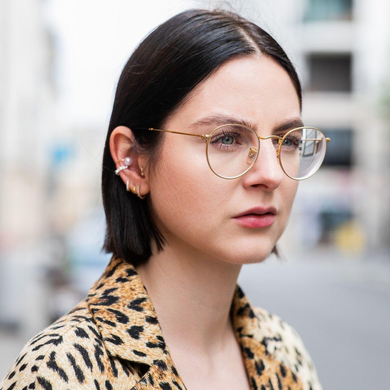 79c0c05063 Peinados para chicas con gafas