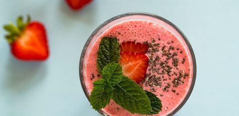 Frais et super sain, mon smoothie thé fraise et menthe