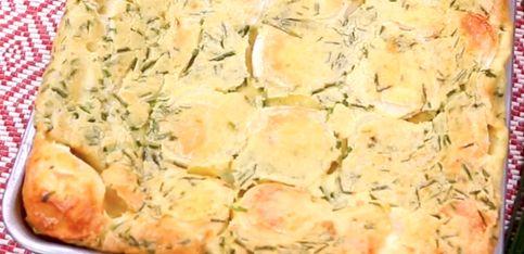 Clafoutis salato vegetariano: la ricetta con formaggio di capra ed erba cipollina!