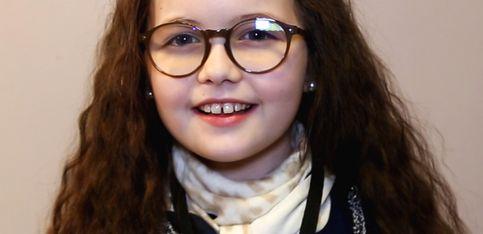Emma nous raconte son émouvant parcours dans The Voice Kids