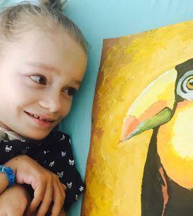 Cette petite fille utilise l'art thérapie pour surmonter son handicap et ce qu'elle peint est incroyable !