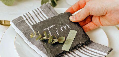 Tischkärtchen basteln: Originelle Ideen, die schnell und einfach gelingen