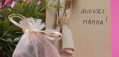 Mamma: un bigliettino speciale per il regalo perfetto