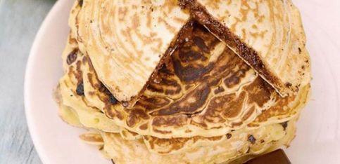 Pancakes al cioccolato: una versione alternativa con un cuore cremoso!