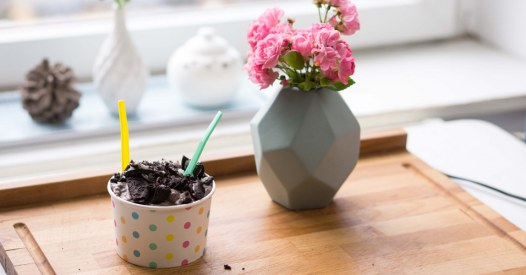 Oreo-Keks-Eis ohne Eismaschine machen