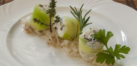 Bio aus der Region: Kochen mit Alexa Iwan - Ziegenkäseröllchen