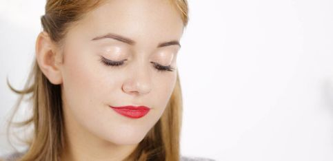 Schön mit Snukieful: Glänzendes Augen-Make-up mit Lipgloss