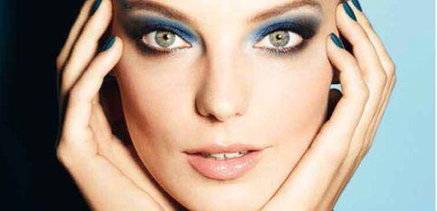 Tutoriel Maquillage: Un maquillage de soirée pour les yeux clairs à bruns