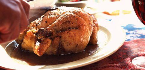 Comment découper une volaille cuite?