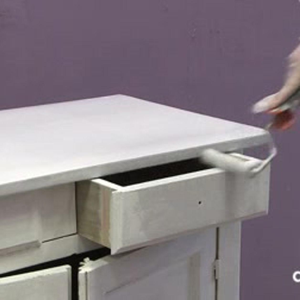 Matériel Pour Patiner Un Meuble patiner un meuble - tutoriel vidéo : comment patiner un meuble