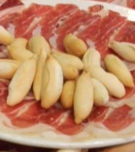Las cañas, las raciones y el jamón, los favoritos de los españoles en verano