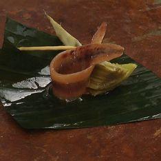 Un aperitivo rico y sencillo: anchoas con salsa romescu y alcachofa