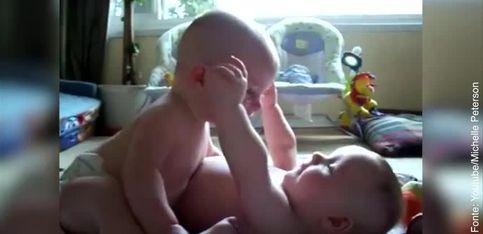 Questi gemelli sono un amore!