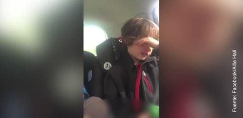 Este niño defiende a capa y espada el planeta Tierra