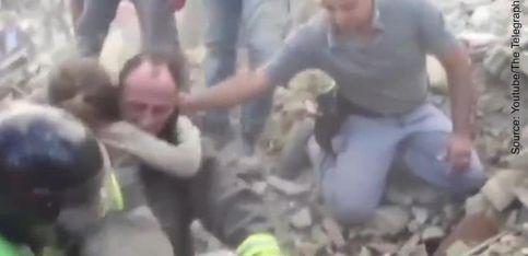 Une survivante du tremblement de terre en Italie
