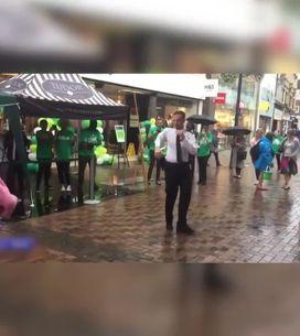 Un policier fait un battle de danse contre un... cochon!