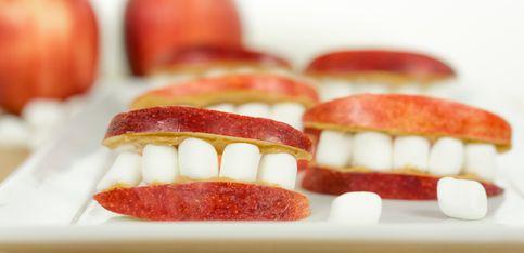 Mit Biss: Der gruselige Halloween-Snack aus nur 3 Zutaten!